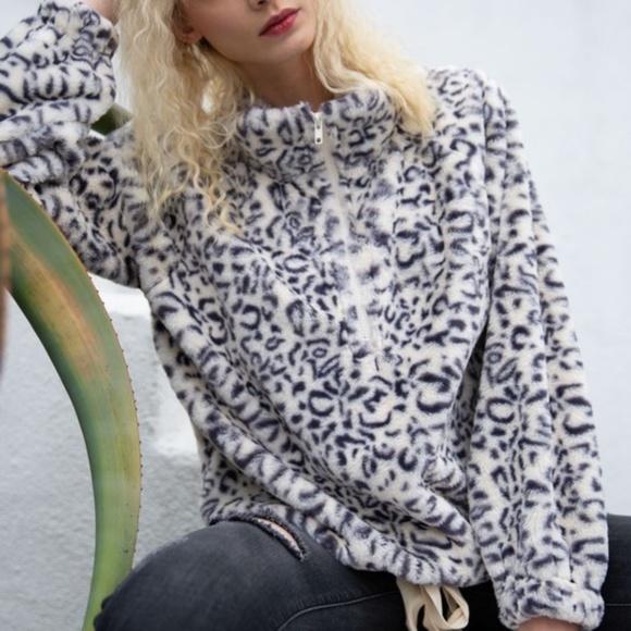 POL Sweaters - SUPER soft Savanna Leopard Sherpa~ New Arrival